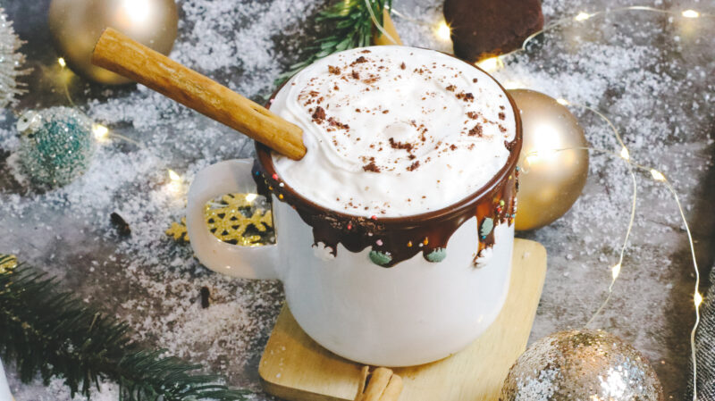 Gingerbread Hot Cocoa Warm Drink